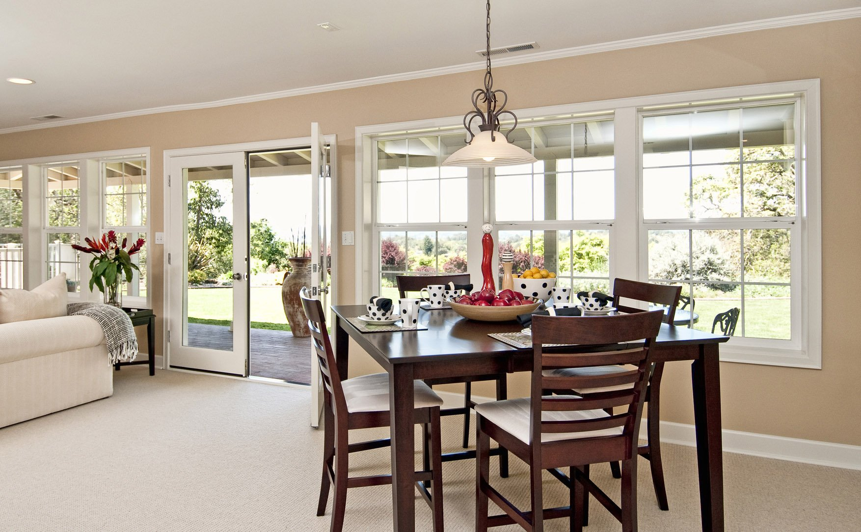 Dining area - Richmond Exteriors